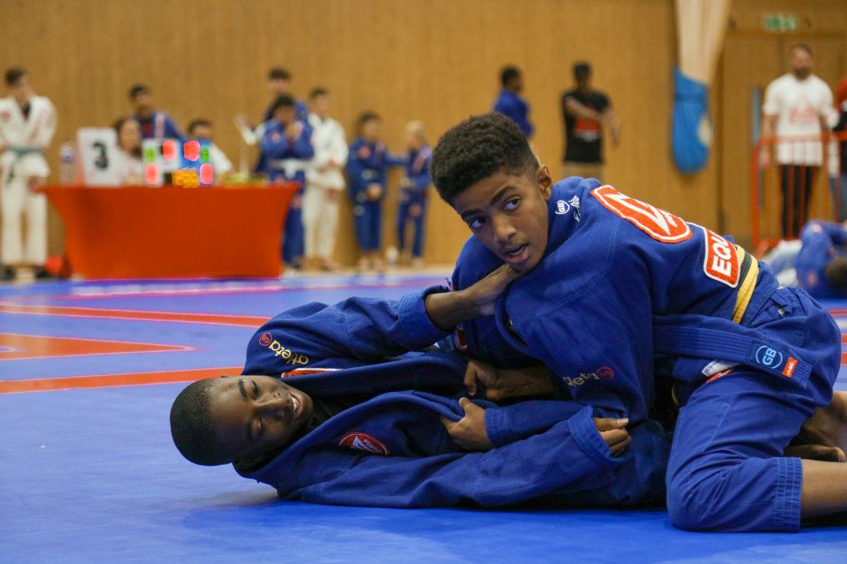 sparring in blue kimono